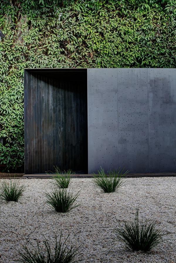 Andrew Burns Architects - Crescent House - 2013 Fugitive Structures exhibition.  Image courtesy Andrew Burns Architects