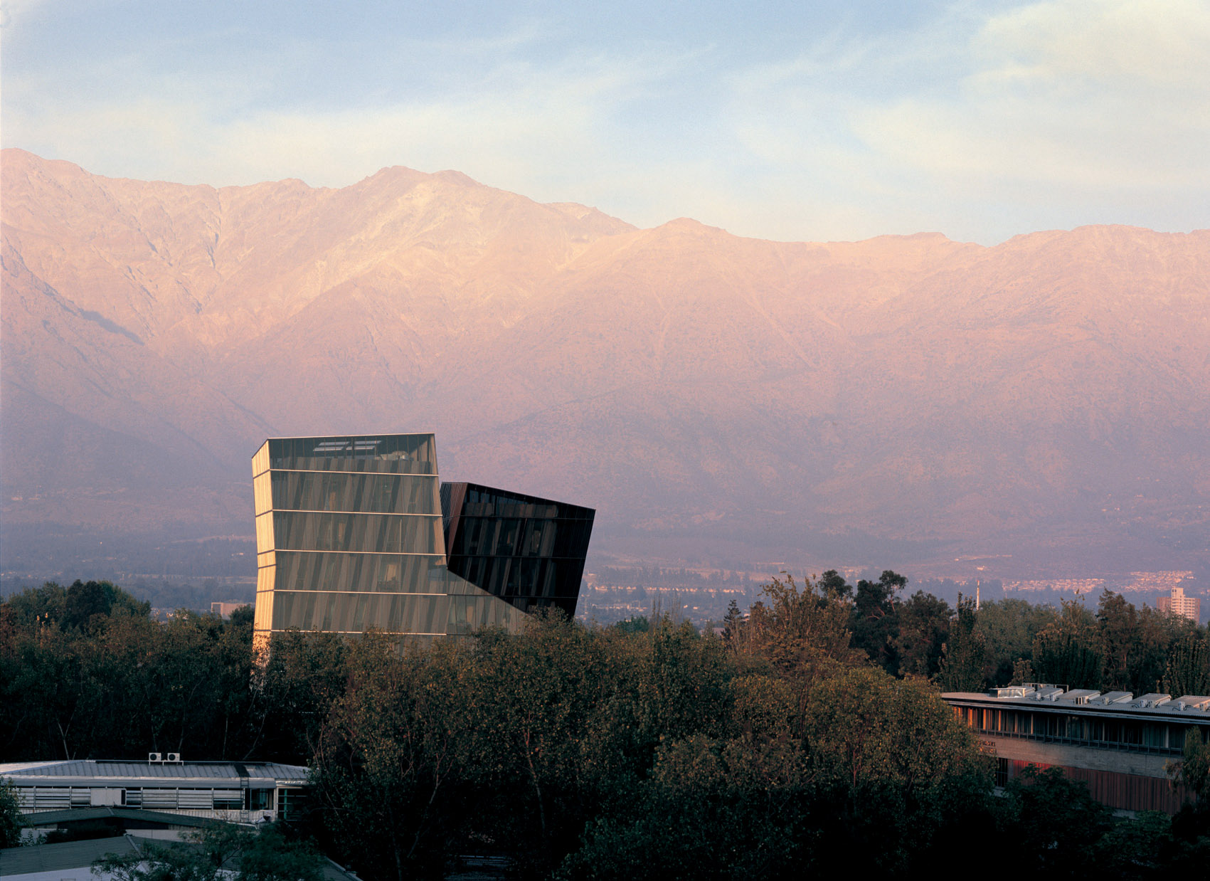 Siamese Towers, 2005, San Joaquín Campus, Universidad Católica de Chile, Santiago, Chile, University classrooms and offices Photo by Cristobal Palma