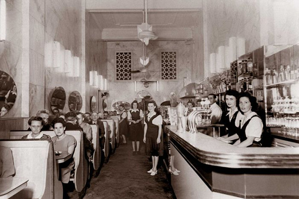 Astoria Cafe in Hunter St, Newcastle, circa late 1940s (Photo courtesy N. Raftos, from the 'In Their Own Image: Greek-Australians' National Project Archives.)