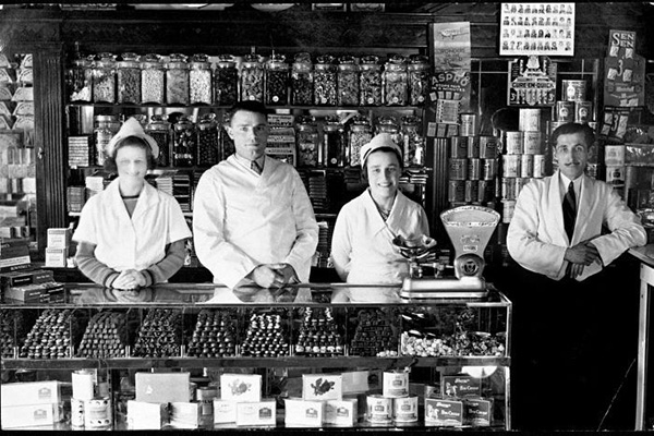 Capital Milk Bar in Wagga Wagga (X. Stathis, from the 'In Their Own Image: Greek-Australians' National Project Archives)