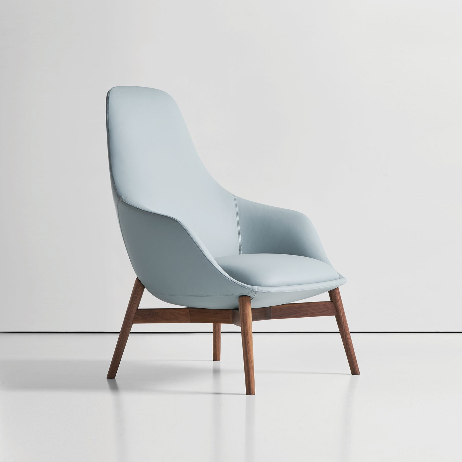 CANELLE LOUNGE CHAIR