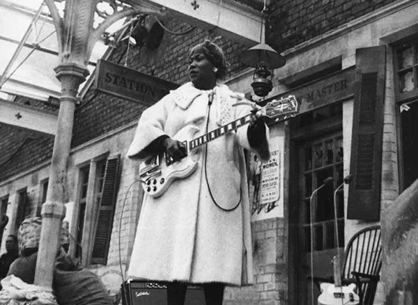 MMM - Sister Rosetta Tharpe is Sharp ...